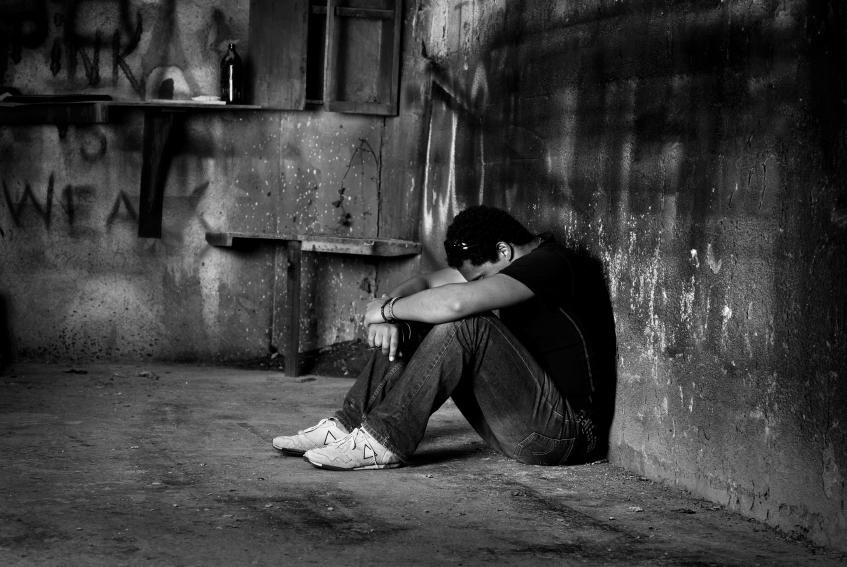 صورة صور حزينه للرجال , صور تعبر عن الحزن والالم