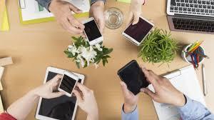 صور فوائد الهاتف النقال , اسهل طرق التواصل السريع مع الاصدقاء