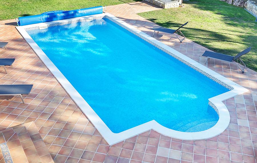 صورة اشكال حمامات السباحة للفيلات , احدث حمامات سباحة عصرية