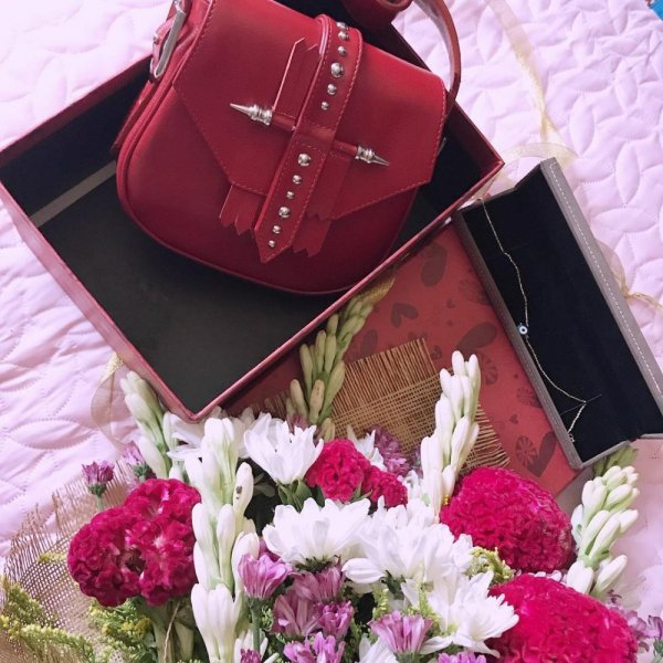 صورة هدية عيد ميلاد حبيبتي , احلي هدية رومانسية لمن تحب