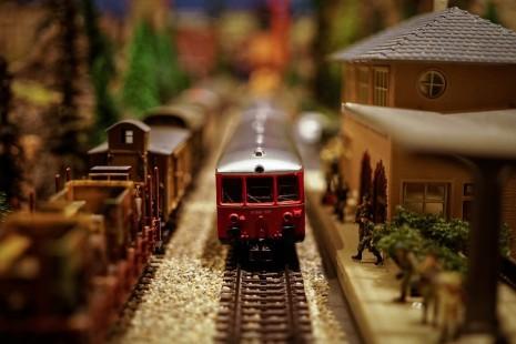 صورة تفسير حلم ركوب القطار والنزول منه , رؤية القطار فى الحلم
