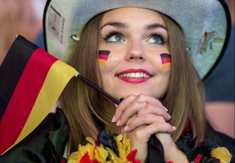 صورة صور بنات المانيات , الشقراء تغزو العيون 2854 7