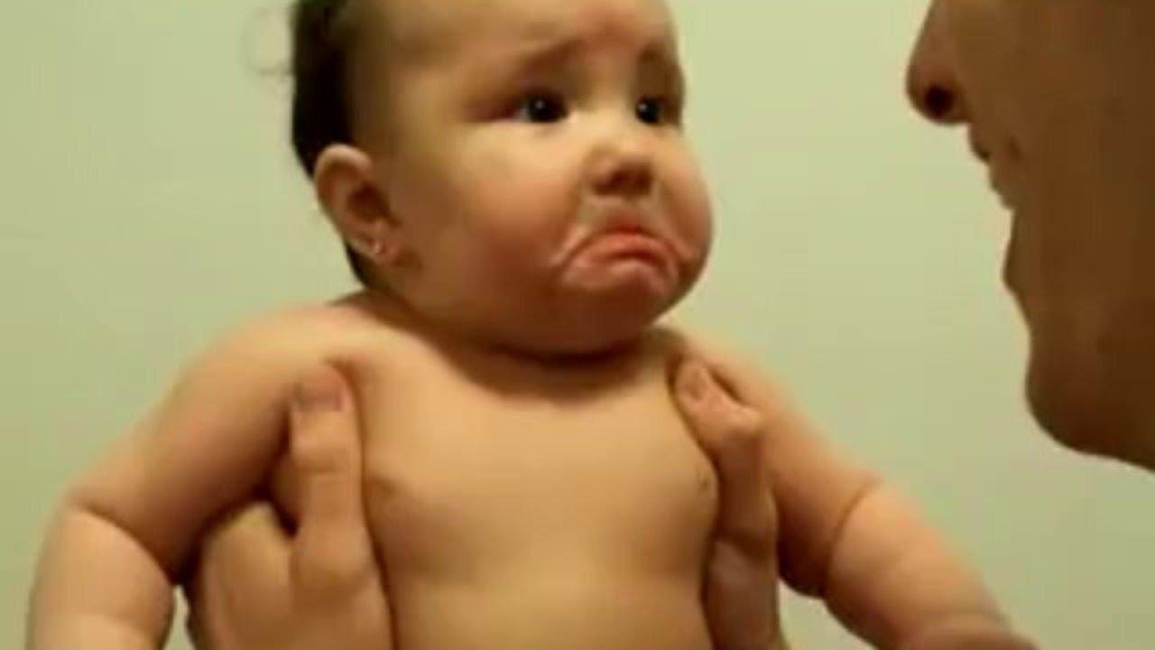 صورة فديوهات اطفال مضحكه , مش هتبطل ضحك مع اجمد مقاطع نادرة للاطفال