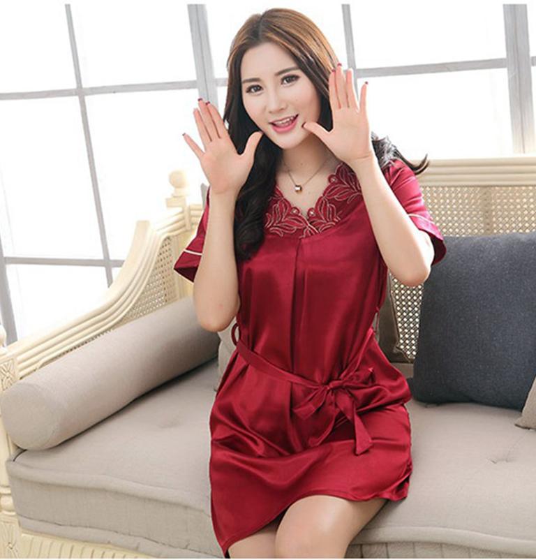 صورة صور بنات لابسه قمصان نوم , شوفي موديلات جديدة لقمصان النوم 3076 2