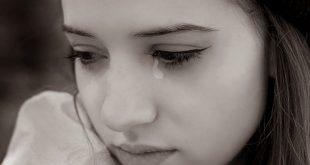 صور بنات حزينة تبكي , الحزن يضعف القلب الرقيق