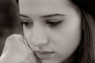 صورة صور بنات حزينة تبكي , الحزن يضعف القلب الرقيق