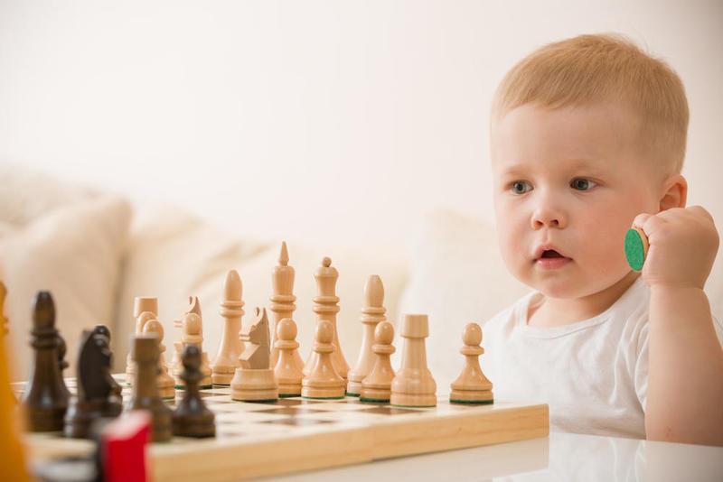 صورة علامات الطفل الذكي منذ الولادة , معلومات عن ذكاء طفلك وكيفية تنميتها 3887
